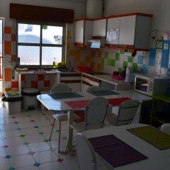 Отель Ria Hostel Alvor Португалия, Портимао - отзывы, цены и фото номеров - забронировать отель Ria Hostel Alvor онлайн питание фото 3