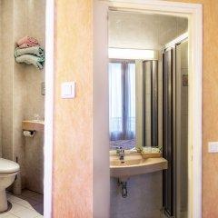 Отель Terminus Montparnasse Париж ванная