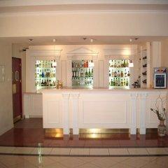 Отель Holiday Park Польша, Варшава - 5 отзывов об отеле, цены и фото номеров - забронировать отель Holiday Park онлайн гостиничный бар