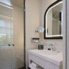 Отель Le Narcisse Blanc & Spa Франция, Париж - 1 отзыв об отеле, цены и фото номеров - забронировать отель Le Narcisse Blanc & Spa онлайн ванная