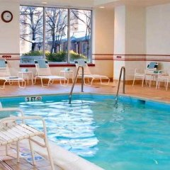 Отель Courtyard Arlington Rosslyn спортивное сооружение
