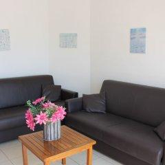 Отель Spinola Bay Apartment Мальта, Сан Джулианс - отзывы, цены и фото номеров - забронировать отель Spinola Bay Apartment онлайн комната для гостей фото 2