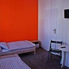 Moon Hostel комната для гостей фото 3