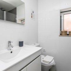 Отель LxWay Apartments Alfama - Rua do Paraíso Португалия, Лиссабон - отзывы, цены и фото номеров - забронировать отель LxWay Apartments Alfama - Rua do Paraíso онлайн ванная