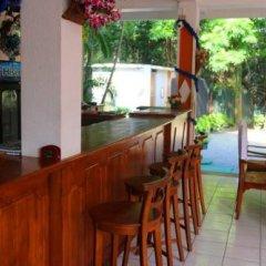 Отель Lagoon Garden Hotel Шри-Ланка, Берувела - отзывы, цены и фото номеров - забронировать отель Lagoon Garden Hotel онлайн гостиничный бар
