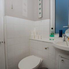 Отель 1 Bedroom Flat Near Hampstead Heath ванная