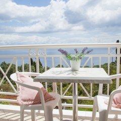 Апартаменты Brentanos Apartments ~ A ~ View of Paradise балкон