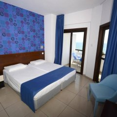 Les Palmiers Beach Hotel in Larnaca, Cyprus from 124$, photos, reviews - zenhotels.com guestroom photo 3