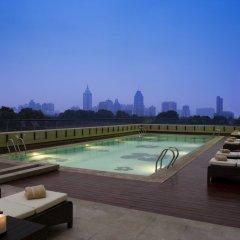 Отель JW Marriott Hotel Shenzhen Китай, Шэньчжэнь - отзывы, цены и фото номеров - забронировать отель JW Marriott Hotel Shenzhen онлайн бассейн фото 2