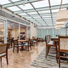 Отель Hampton Inn Manhattan Grand Central гостиничный бар