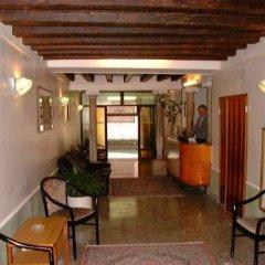 Отель Caneva Италия, Венеция - 1 отзыв об отеле, цены и фото номеров - забронировать отель Caneva онлайн интерьер отеля фото 3