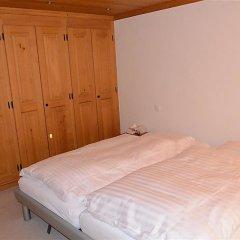 Отель Hahnenkamm - Three Bedroom Швейцария, Шёнрид - отзывы, цены и фото номеров - забронировать отель Hahnenkamm - Three Bedroom онлайн комната для гостей фото 3