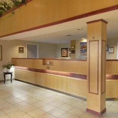 Отель Quality Suites Quebec City Канада, Квебек - отзывы, цены и фото номеров - забронировать отель Quality Suites Quebec City онлайн интерьер отеля фото 2