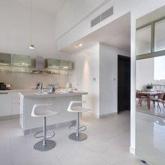 Отель Marvellous Apartment in Tigne Point With Pool Мальта, Слима - отзывы, цены и фото номеров - забронировать отель Marvellous Apartment in Tigne Point With Pool онлайн комната для гостей