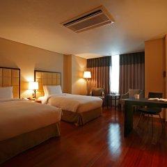 Отель Ramada Hotel and Suites Seoul Namdaemun Южная Корея, Сеул - 1 отзыв об отеле, цены и фото номеров - забронировать отель Ramada Hotel and Suites Seoul Namdaemun онлайн комната для гостей фото 4