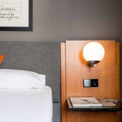 Отель Malcom and Barret Валенсия сейф в номере