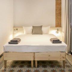 Отель Large and central Catalonia square комната для гостей