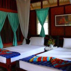 Отель Green View Village Resort сейф в номере