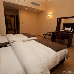 Xclusive Maples Hotel Apartment сейф в номере