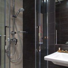 Отель Alpha Tour Eiffel Булонь-Бийанкур ванная