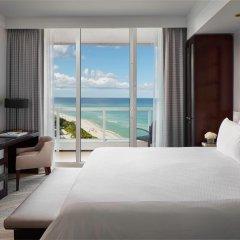 Отель Fontainebleau Miami Beach комната для гостей фото 4