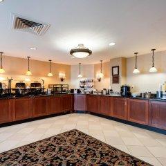 Отель Arlington Court Suites Hotel США, Арлингтон - отзывы, цены и фото номеров - забронировать отель Arlington Court Suites Hotel онлайн питание