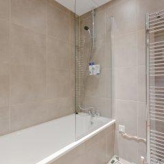 Отель 2 Bedroom Portobello Loft Flat Великобритания, Лондон - отзывы, цены и фото номеров - забронировать отель 2 Bedroom Portobello Loft Flat онлайн ванная