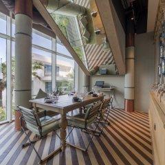 Отель Five Palm Jumeirah Dubai интерьер отеля