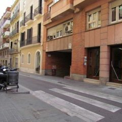 Отель Barcelona City North Hostal парковка