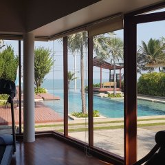 Отель Pranaluxe Pool Villa Holiday Home фитнесс-зал
