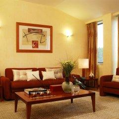 Отель Altis Suites комната для гостей