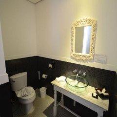 Отель Heritage Baan Silom Бангкок ванная