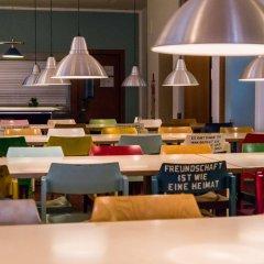 Отель Amstel House Hostel Германия, Берлин - 9 отзывов об отеле, цены и фото номеров - забронировать отель Amstel House Hostel онлайн питание фото 2