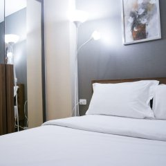Отель Locals Sathorn Siamese Nang Linchee Бангкок комната для гостей фото 3