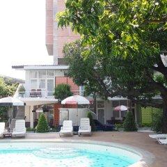 Отель RetrOasis Таиланд, Бангкок - отзывы, цены и фото номеров - забронировать отель RetrOasis онлайн бассейн фото 2