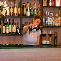Отель Athens Odeon Hotel Греция, Афины - 2 отзыва об отеле, цены и фото номеров - забронировать отель Athens Odeon Hotel онлайн гостиничный бар
