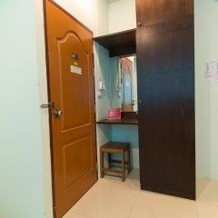 Отель ZEN Rooms Mahachai Khao San Бангкок удобства в номере фото 2