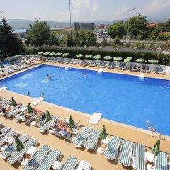 Montecito Hotel бассейн