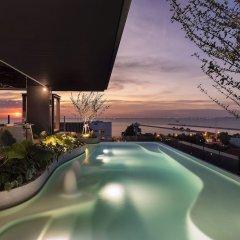 Отель X2 Vibe Pattaya Seaphere Residence бассейн фото 3