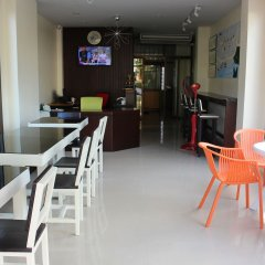 Guide M @ Krabi Hostel питание