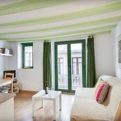 Апартаменты Inside Barcelona Apartments Vidreria комната для гостей фото 3
