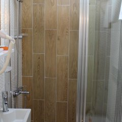 Hurriyet Hotel Турция, Стамбул - 10 отзывов об отеле, цены и фото номеров - забронировать отель Hurriyet Hotel онлайн ванная фото 2