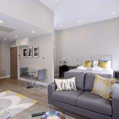 Апартаменты Destiny Scotland Apartments at Nelson Mandela Place комната для гостей