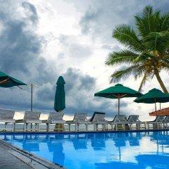 Ranmal Beach Hotel бассейн