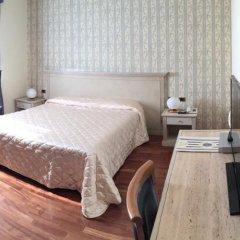 Hotel Villa Medici Рокка-Сан-Джованни сейф в номере
