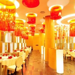 Отель Aloft Zhengzhou Shangjie интерьер отеля