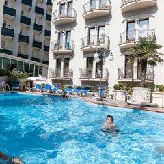 Отель Ambassador Италия, Римини - 1 отзыв об отеле, цены и фото номеров - забронировать отель Ambassador онлайн бассейн фото 2