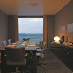 Отель Radisson Blu Hotel Zurich Airport Швейцария, Цюрих - 1 отзыв об отеле, цены и фото номеров - забронировать отель Radisson Blu Hotel Zurich Airport онлайн в номере фото 2