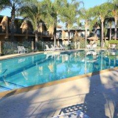 Отель Valley Inn США, Лос-Анджелес - отзывы, цены и фото номеров - забронировать отель Valley Inn онлайн бассейн фото 2