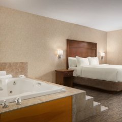 Отель Days Inn & Suites by Wyndham Brooks спа фото 2
